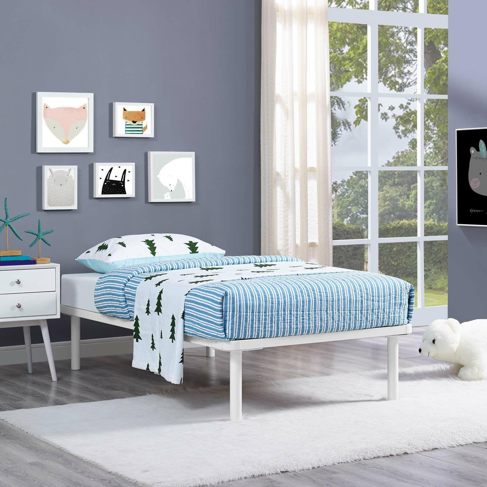 Daenerys Platform Bed Color: White, Size: Full