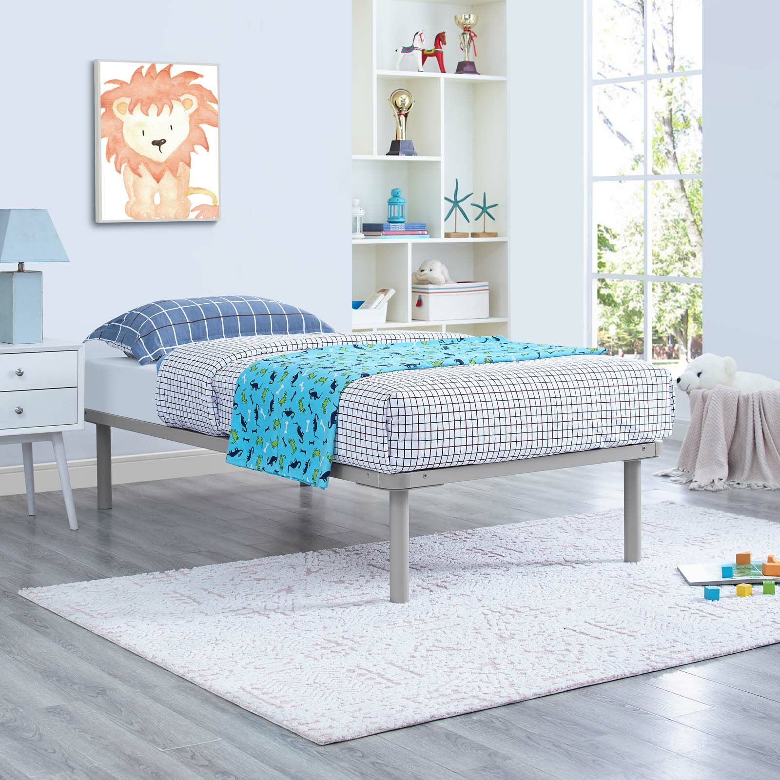 Daenerys Platform Bed Color: Gray, Size: Queen