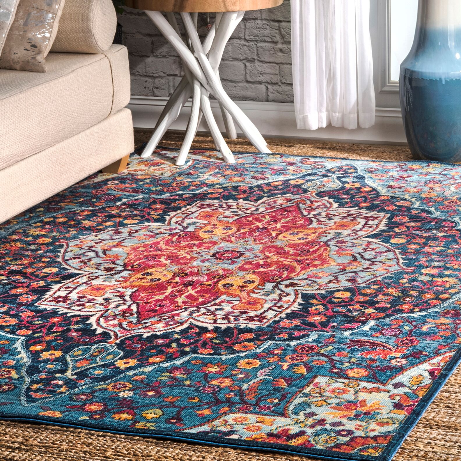Ferree Blue/Red Area Rug Rug Size: Rectangle 9' x 12'
