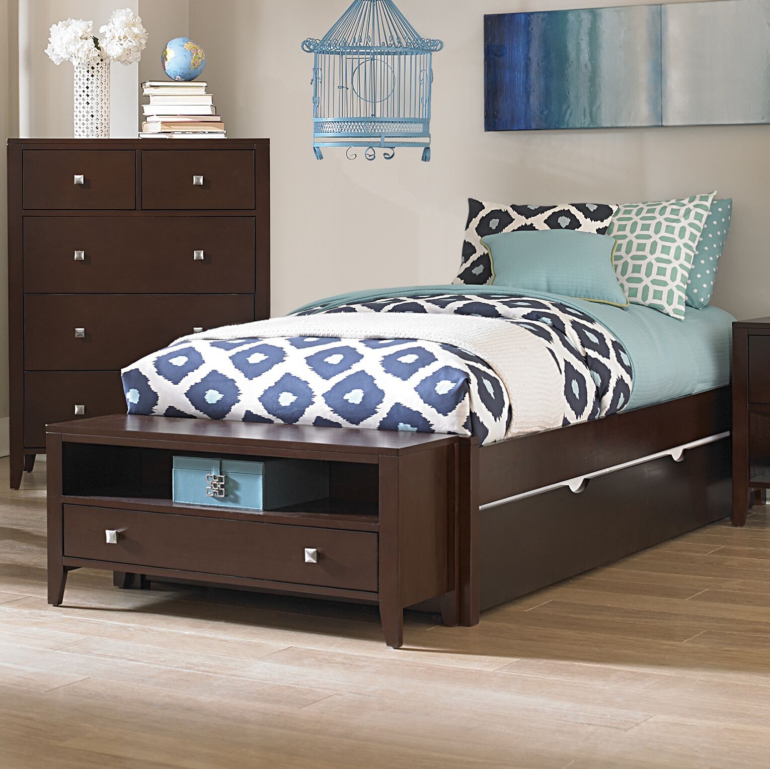 Granville Platform Bed Color: Chocolate, Size: Twin