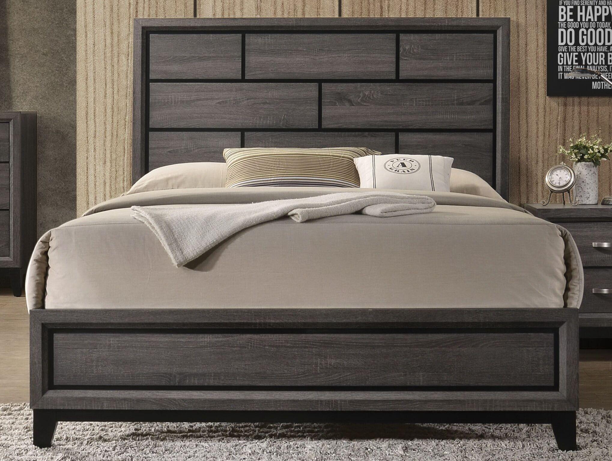 Caudillo�Panel Bed Size: Queen