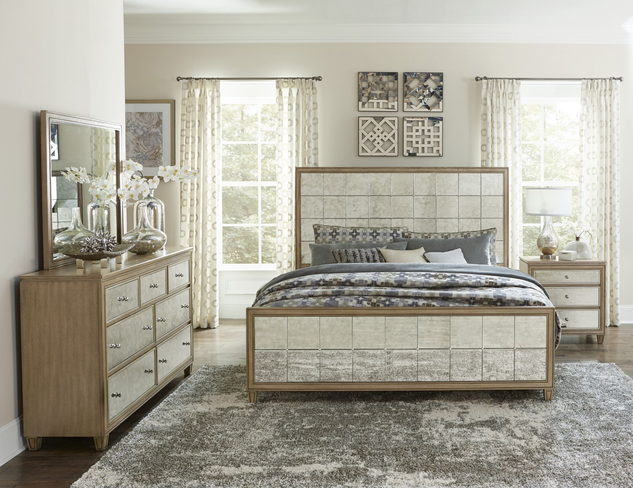 Gunnar Upholstered Panel Bed Size: Queen