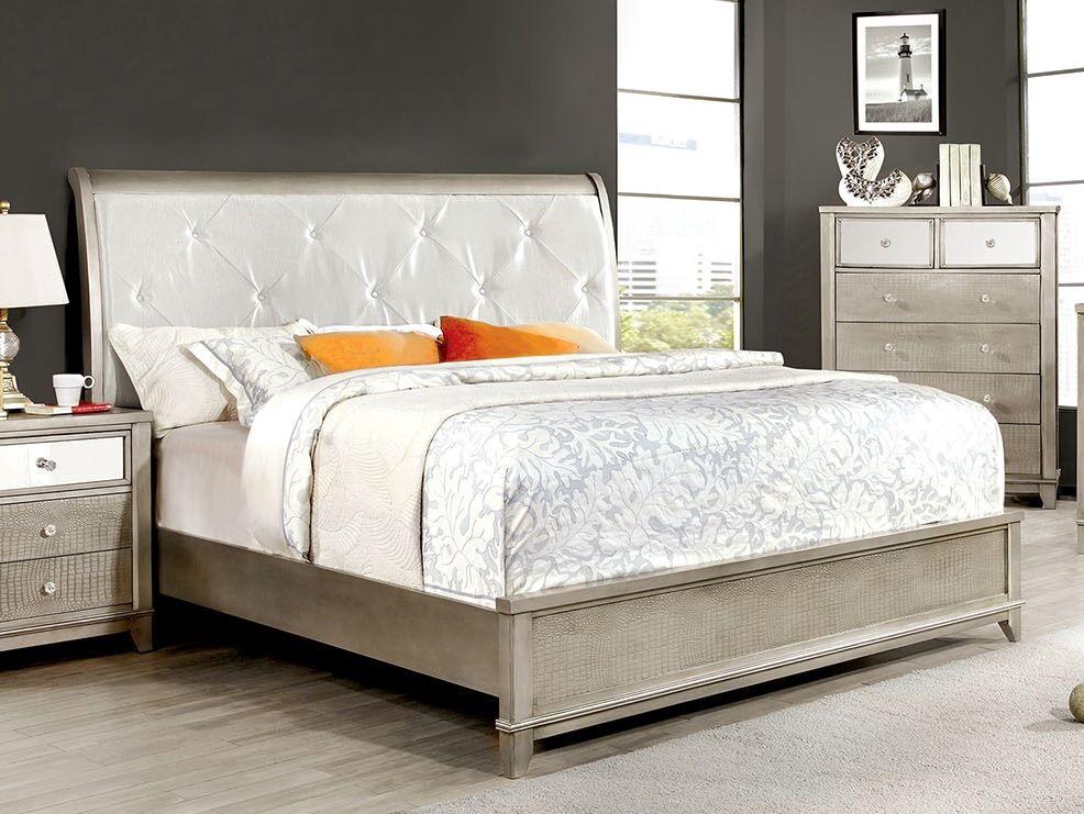 Michaela Sleigh Bed Size: California King, Color: Silver