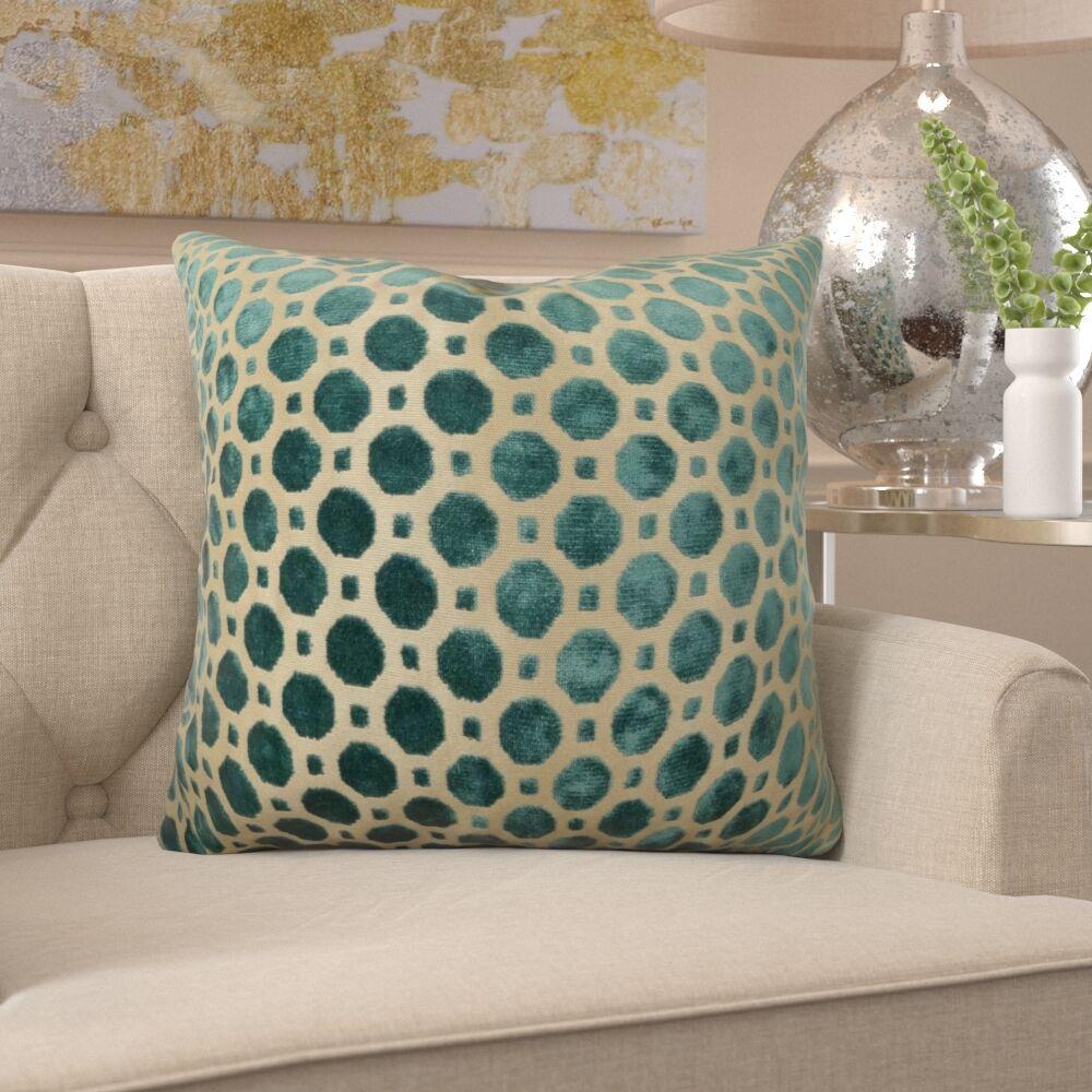 Kaminski Luxury Pillow Size: 20
