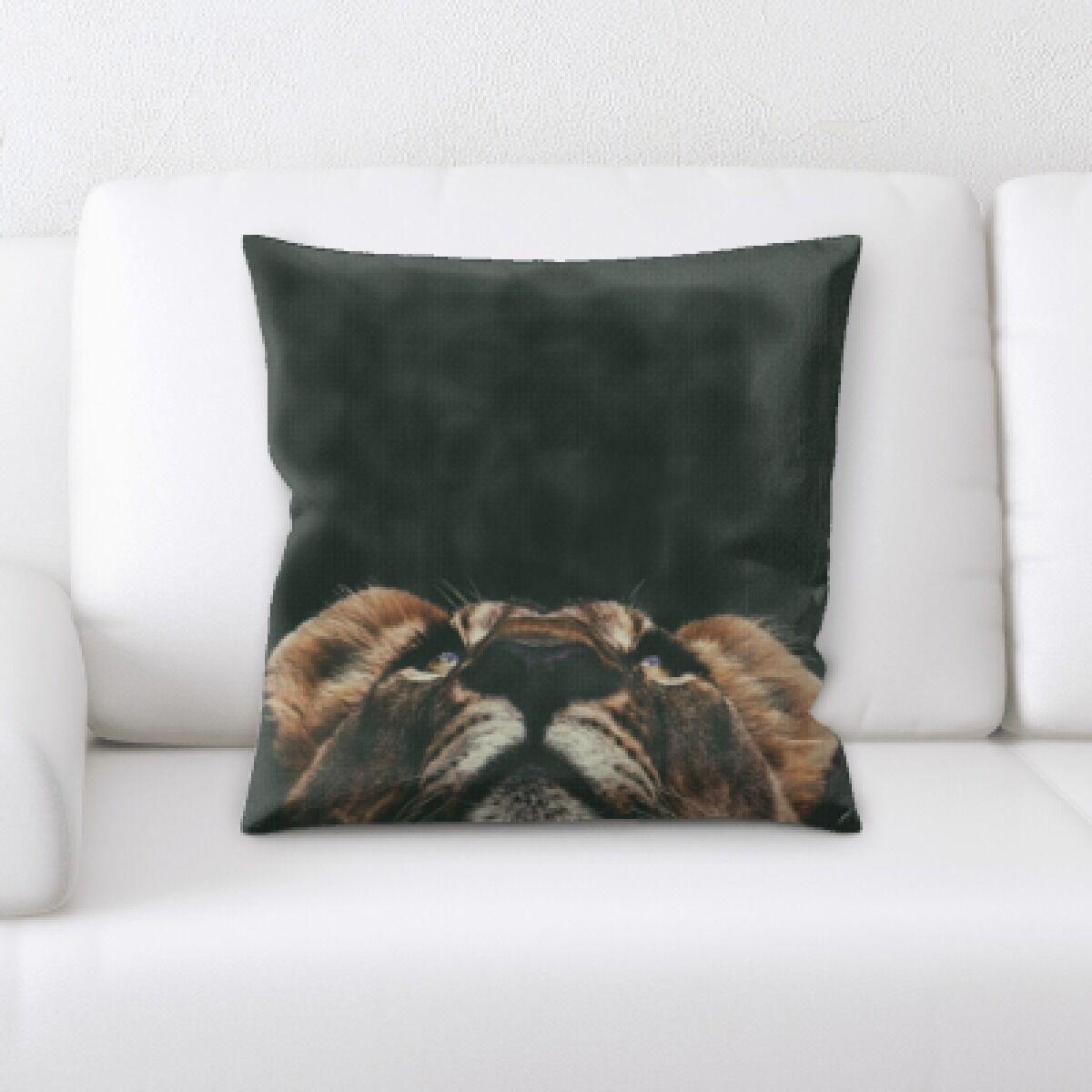 Eaman Animal (108) Throw Pillow