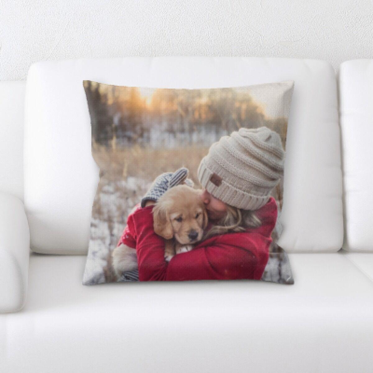 Eaman Animal (94) Throw Pillow