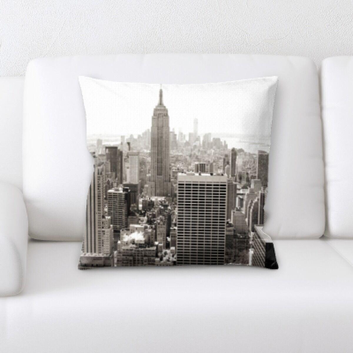 Edgehill Buildings (1) Throw Pillow