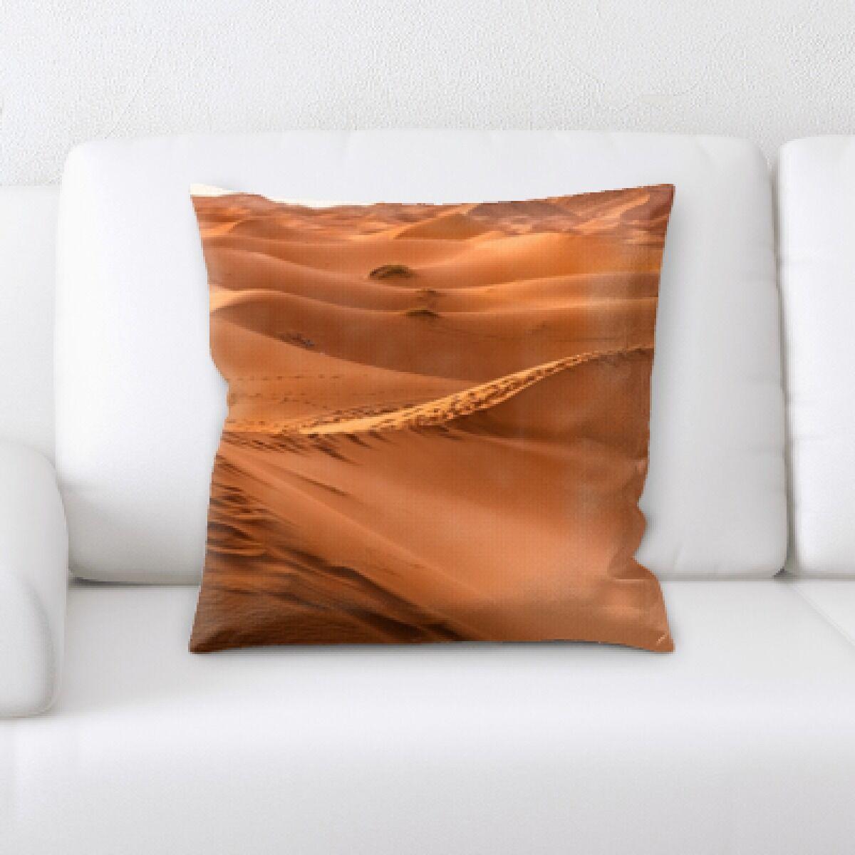 Desert (18) Throw Pillow