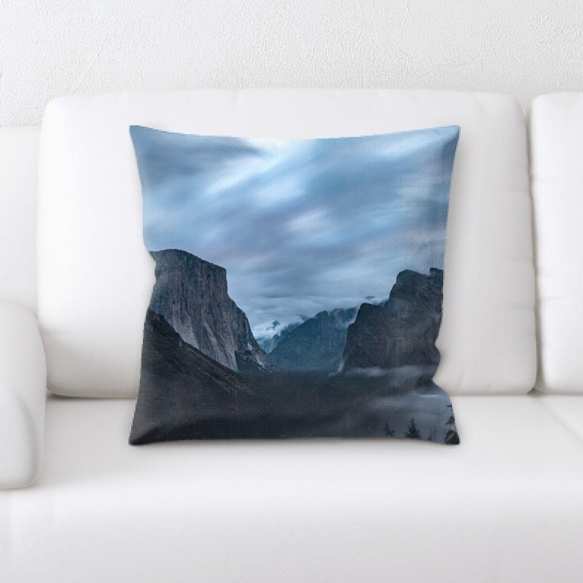 Everglade Mountain and Cliffs (27) Throw Pillow