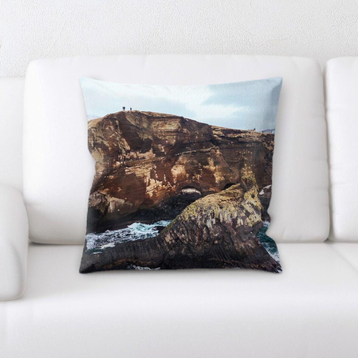 Milligan Mountain and Cliffs (187) Throw Pillow