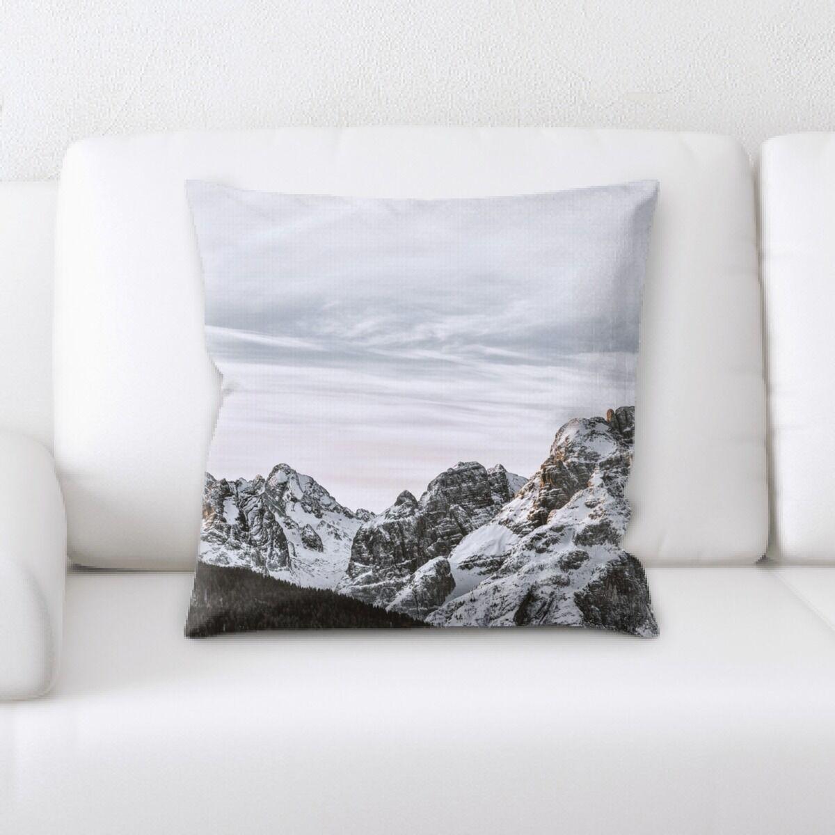 Koret Mountain and Cliffs (62) Throw Pillow