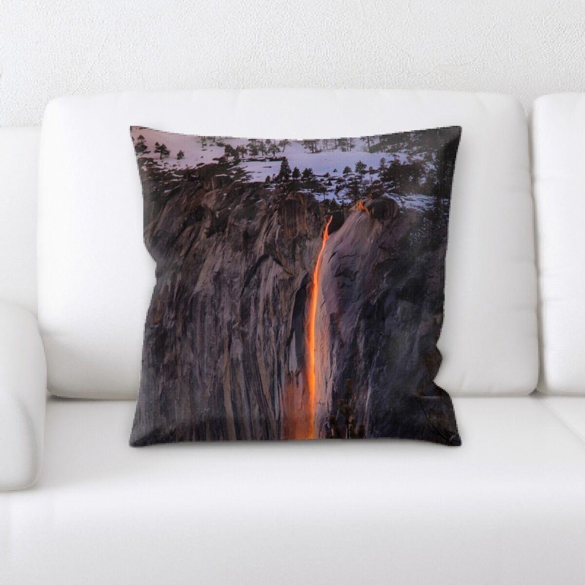 Landis (569) Throw Pillow
