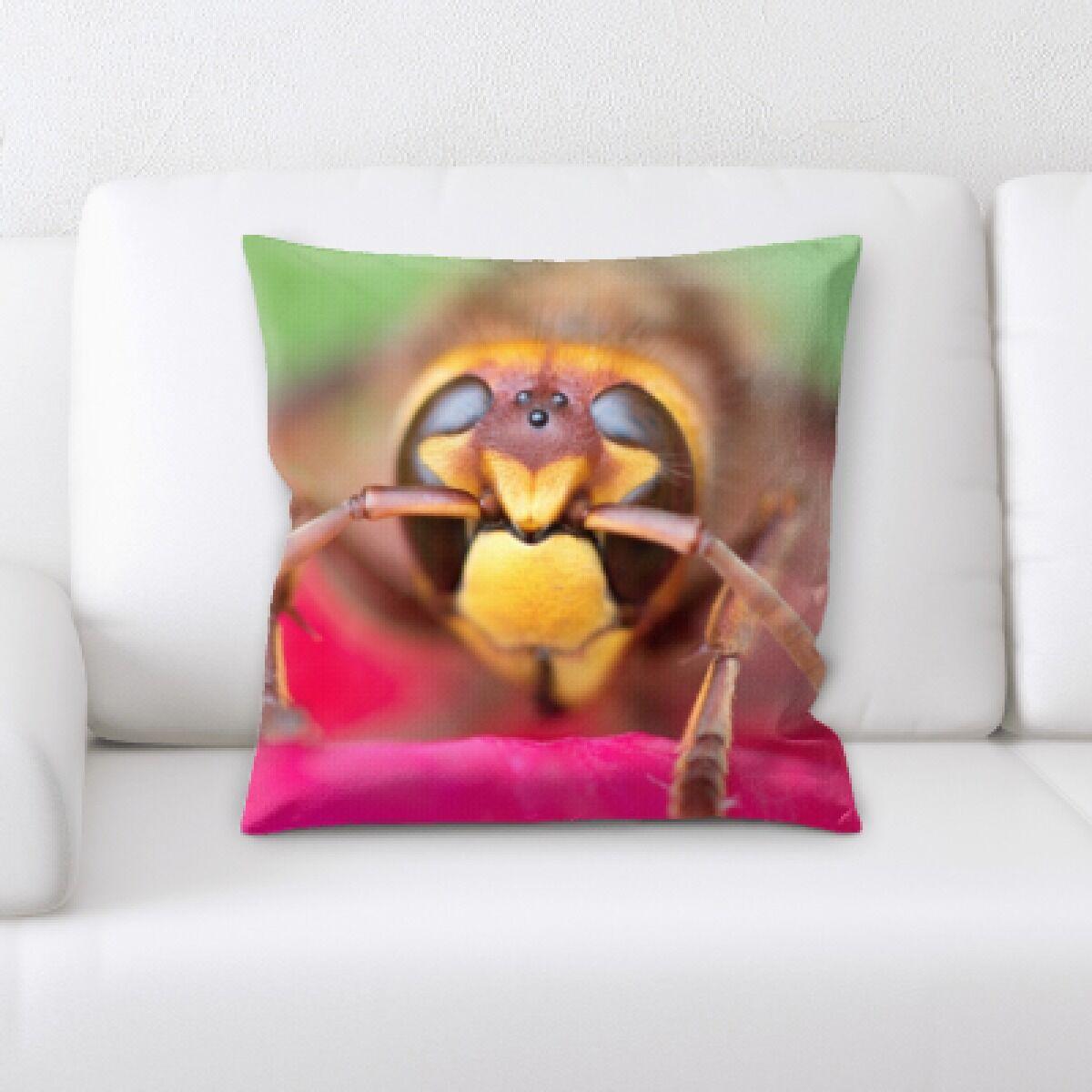 Winn The Little Animals (53) Throw Pillow
