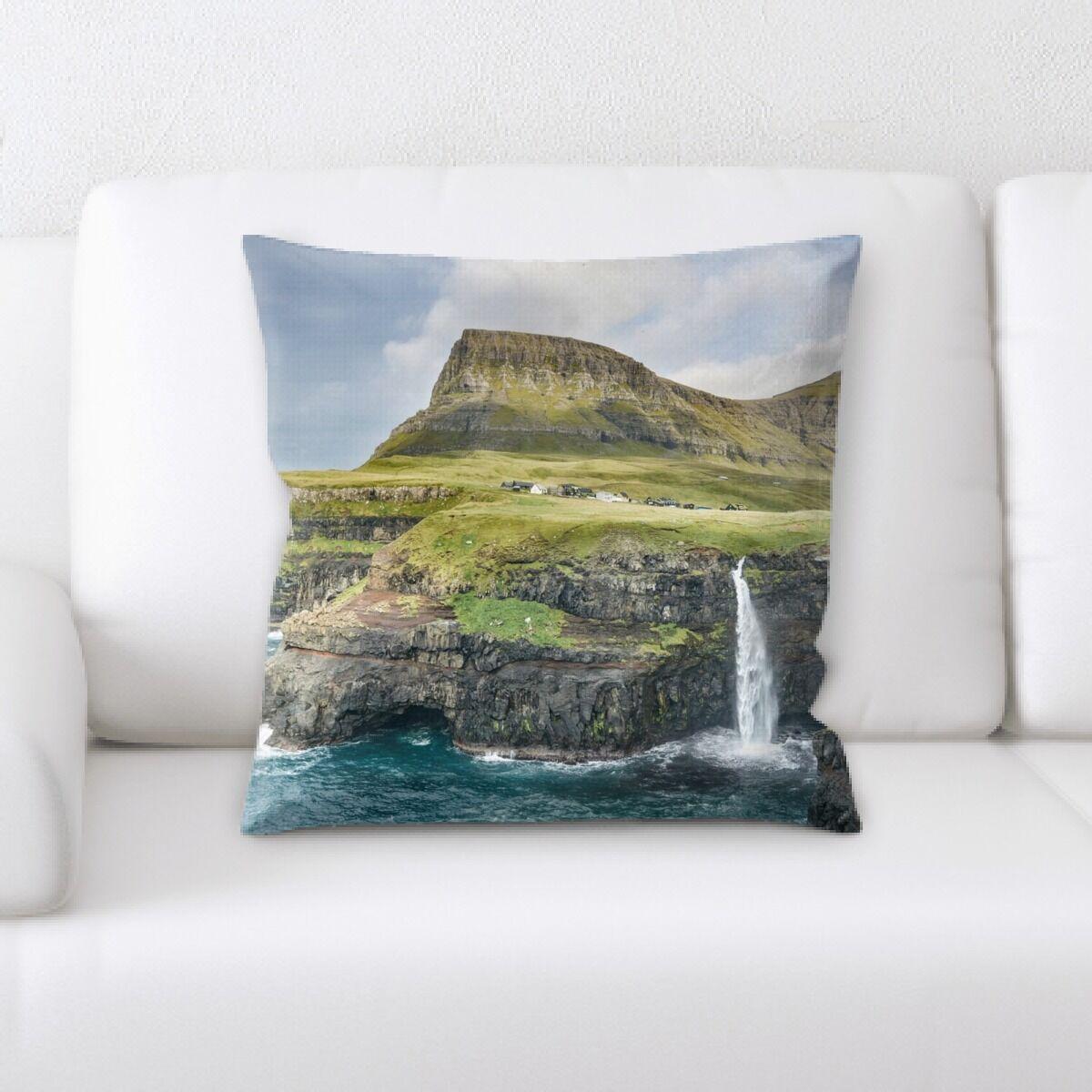 Waterfall (59) Throw Pillow