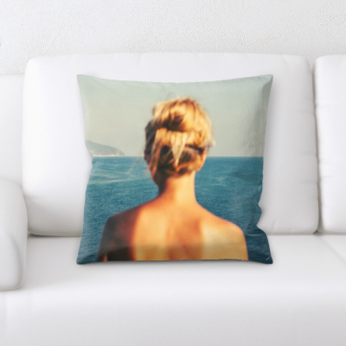 Daley The Great Sea (81) Throw Pillow