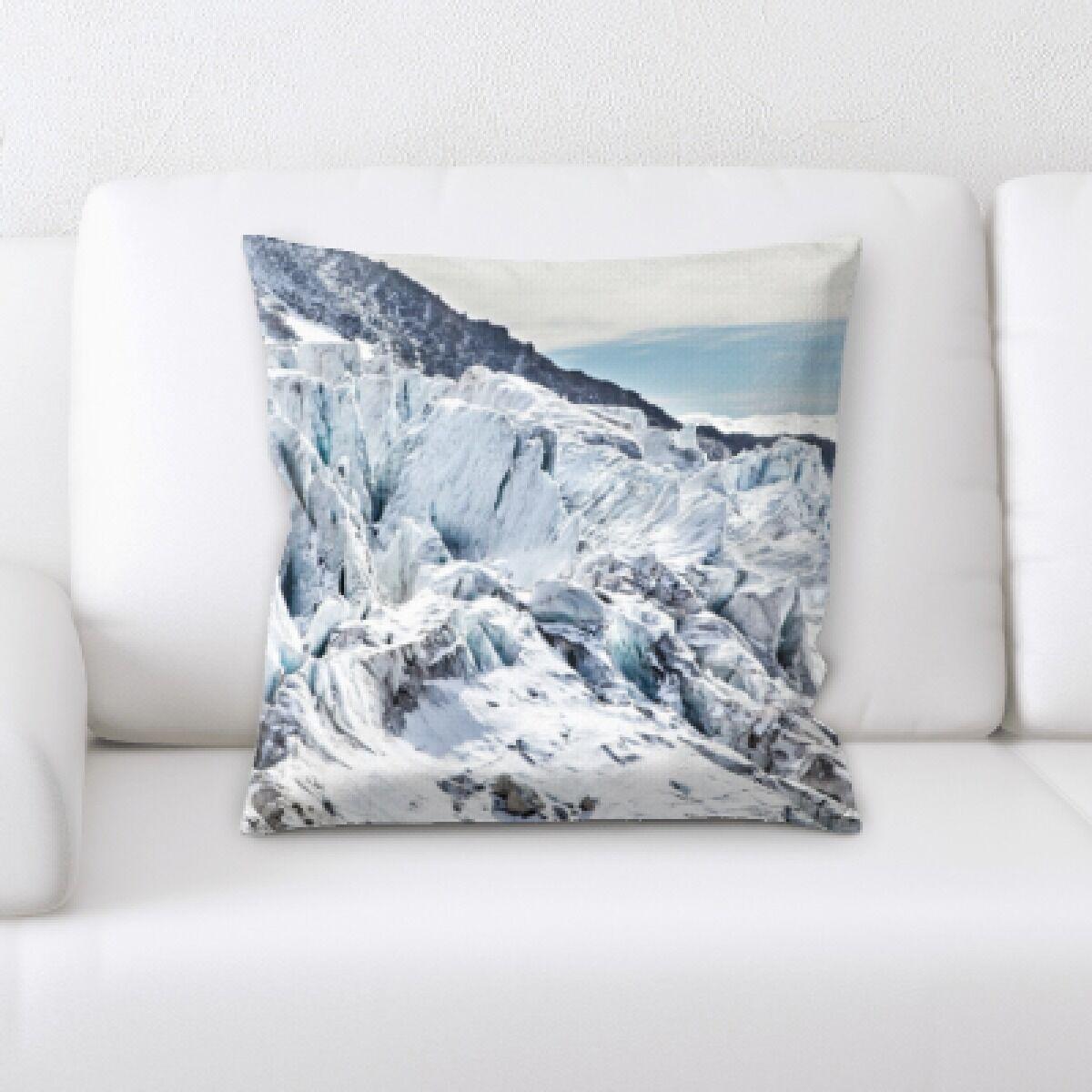 Landrum (184) Throw Pillow
