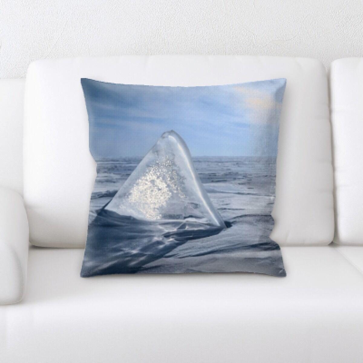 Winter Feeling (206) Throw Pillow