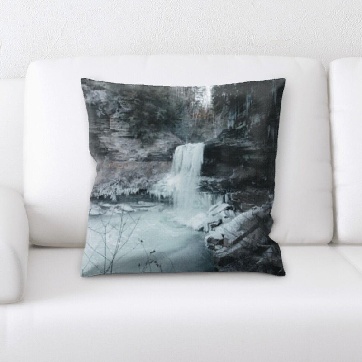 Winter Feeling (233) Throw Pillow