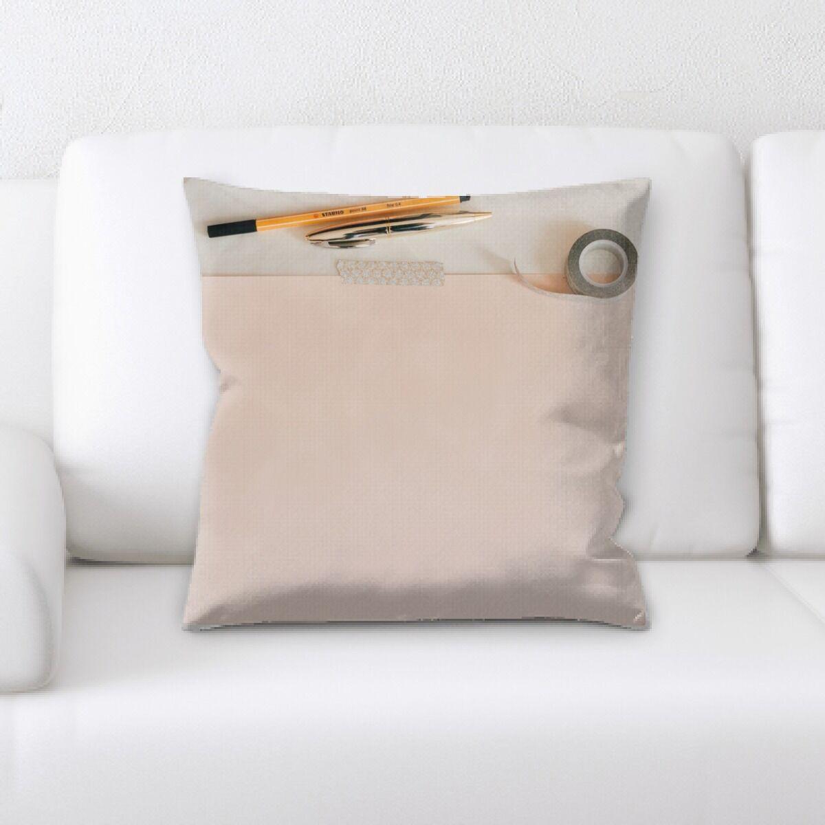 Hangah (90) Throw Pillow