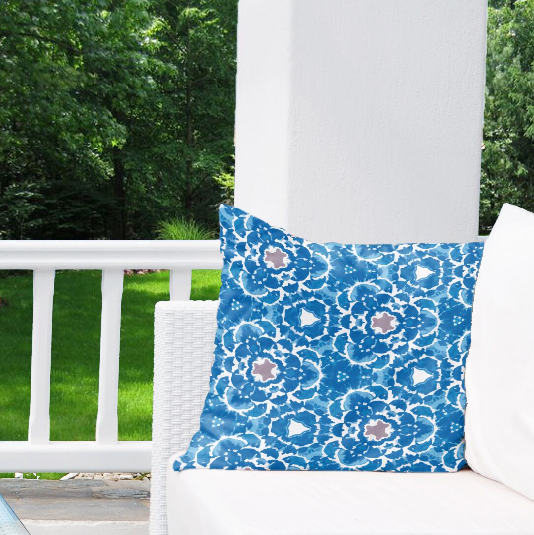 Alana Indoor/Outdoor Throw Pillow Size: 26