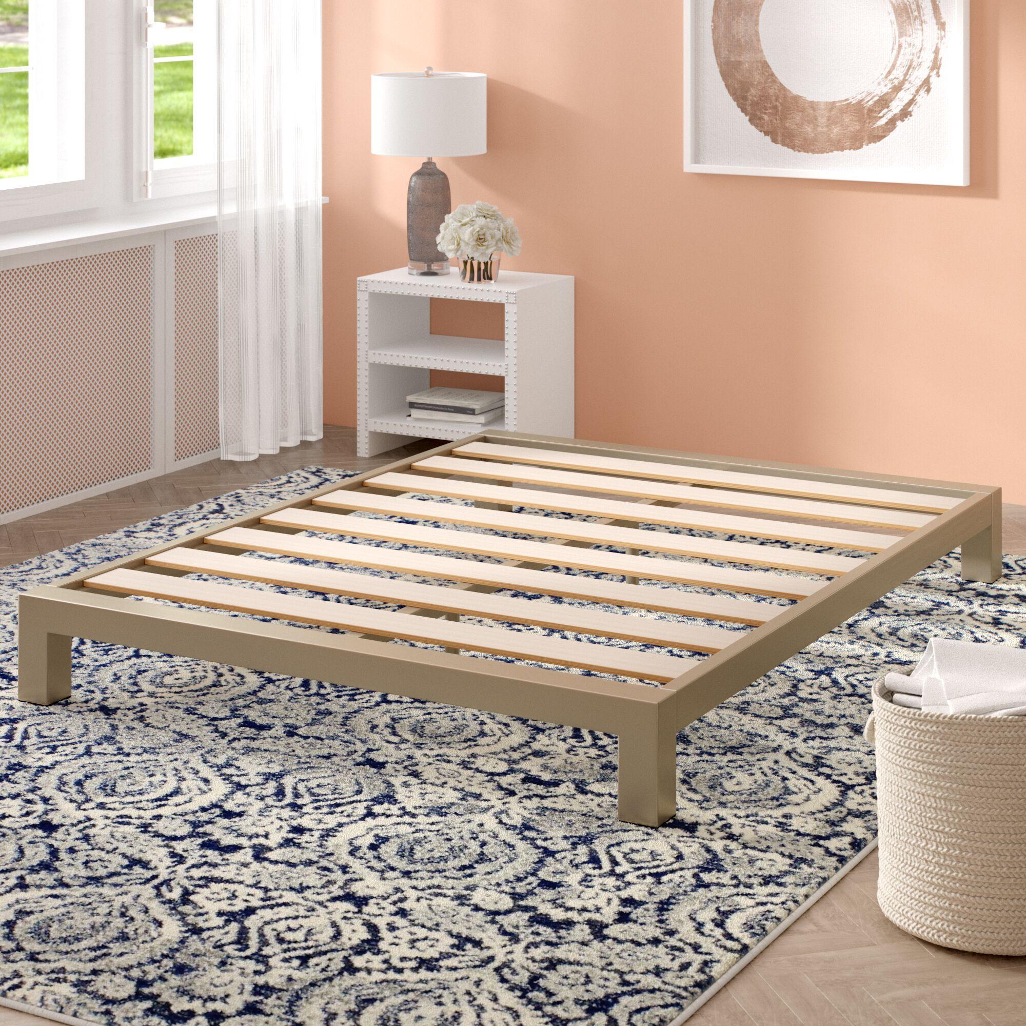 Giacinto Platform Bed Size: Queen
