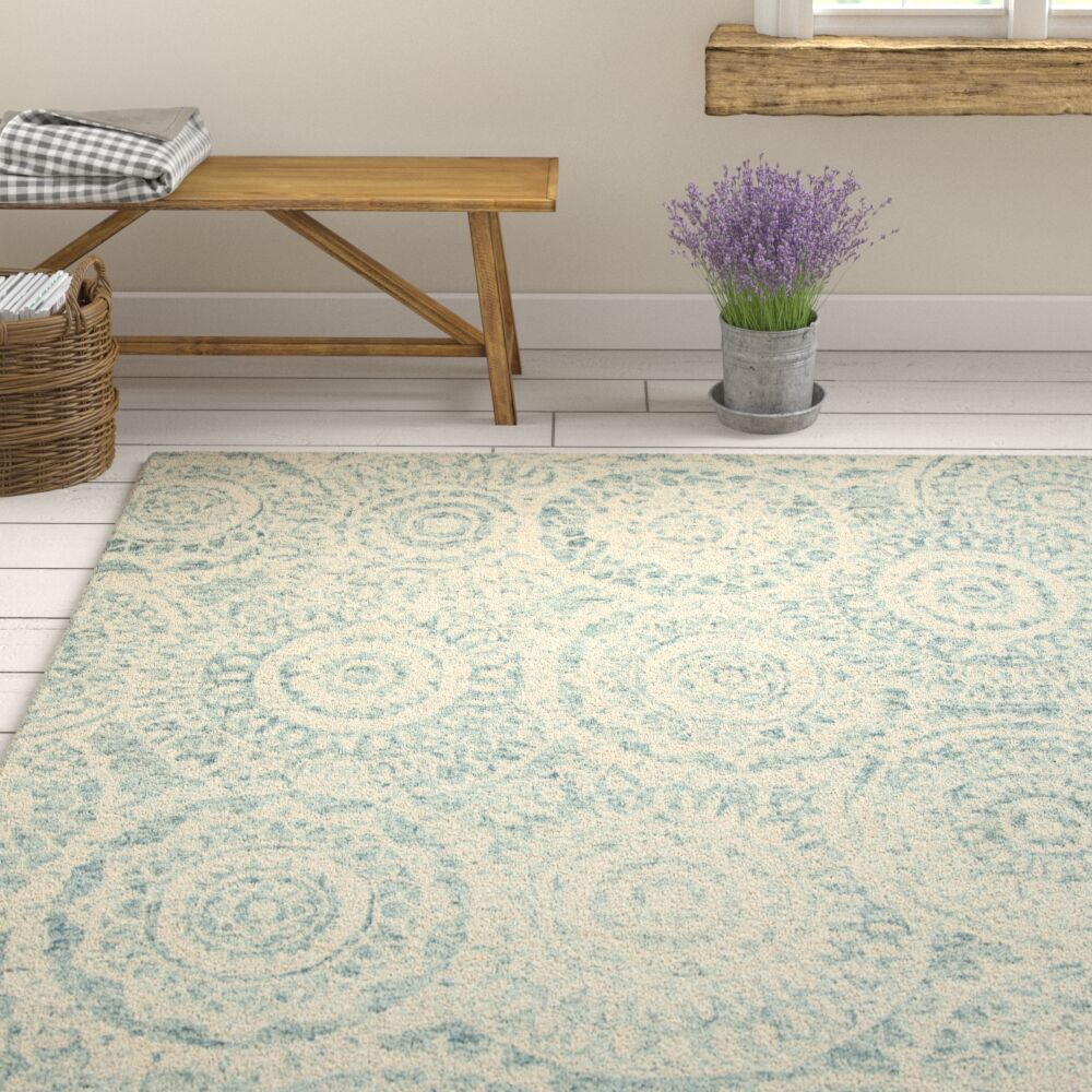 Salerna Hand-Tufted Wool Ivory/Blue Area Rug Rug Size: Rectangle 4' x 6'
