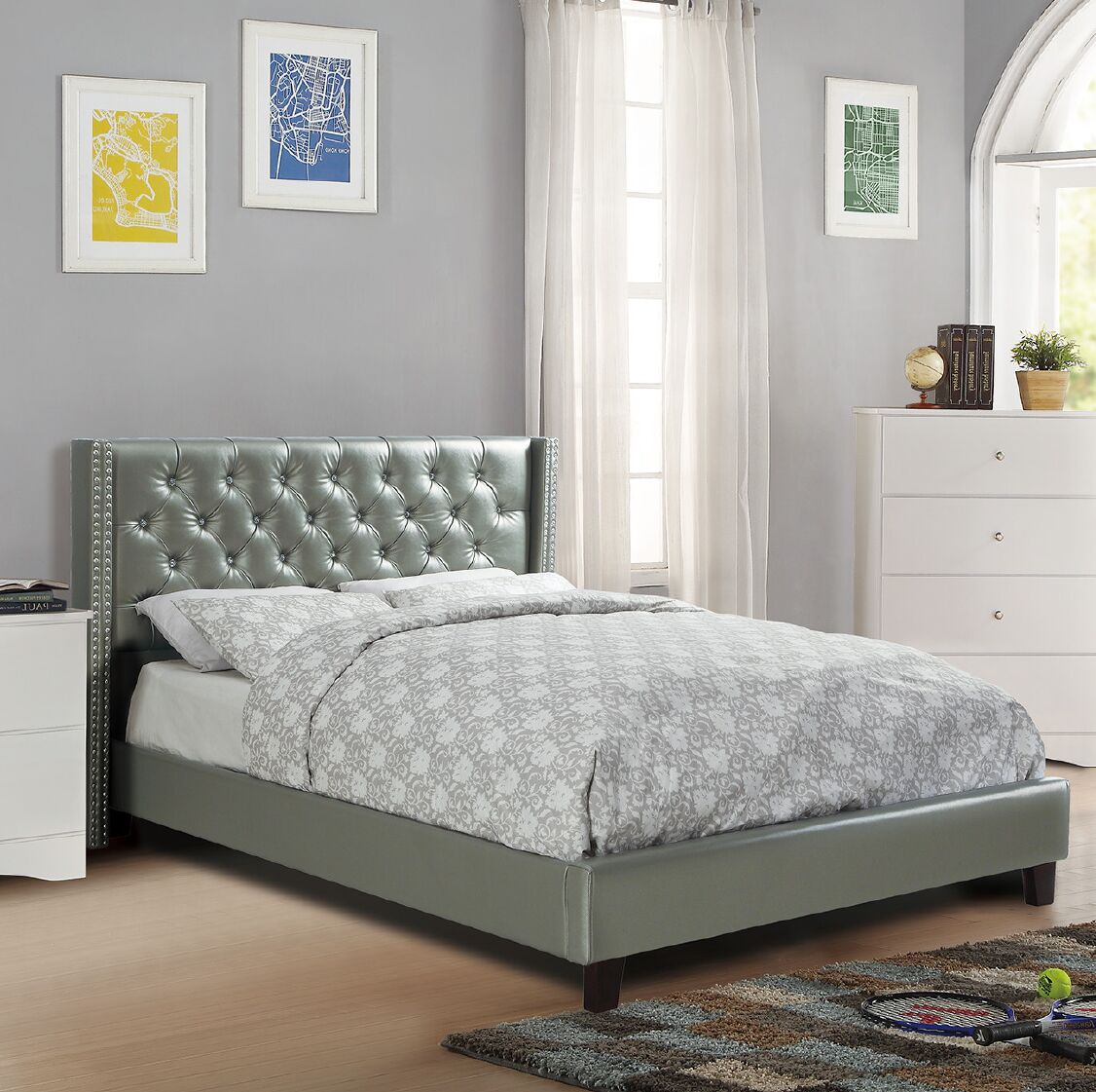 Nora Upholstered Platform Bed Size: Queen, Color: Silver