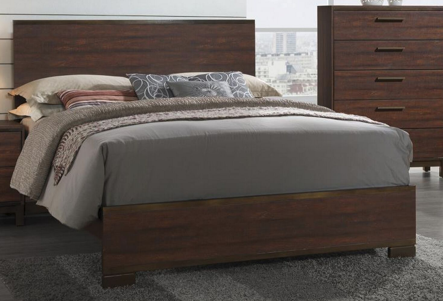 Jeffries Panel Bed Size: California King