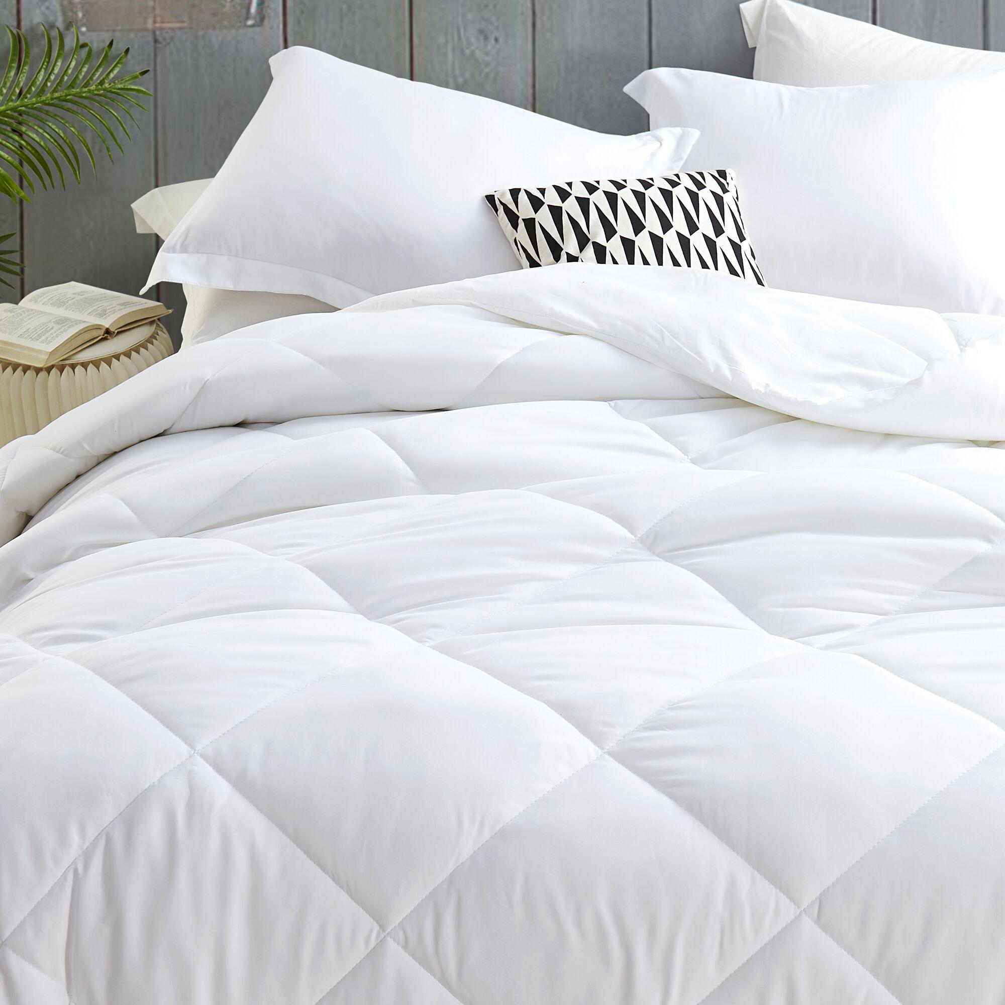 Ultra Cozy Down Alternative Duvet Insert Bed Size: King XL (109