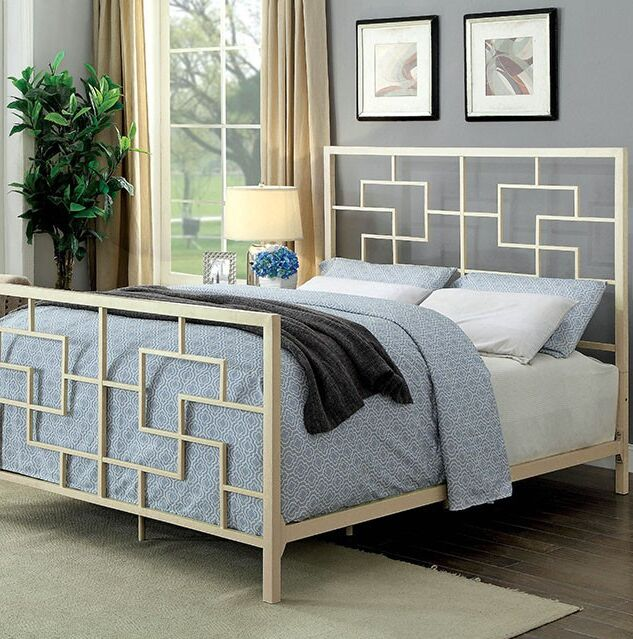 Payne Panel Bed Size: California King, Color: White