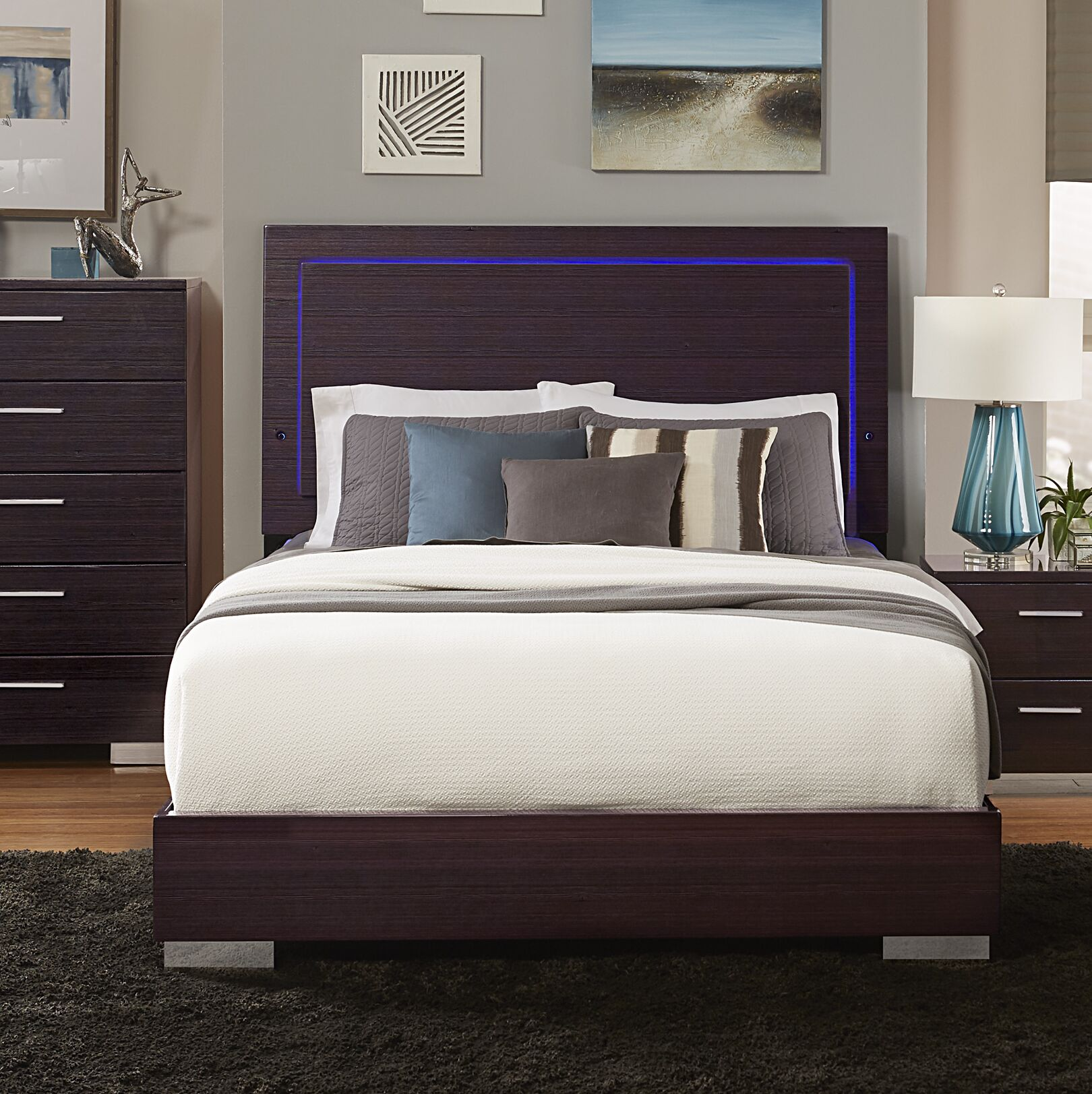 Pearce Panel Bed Size: Full