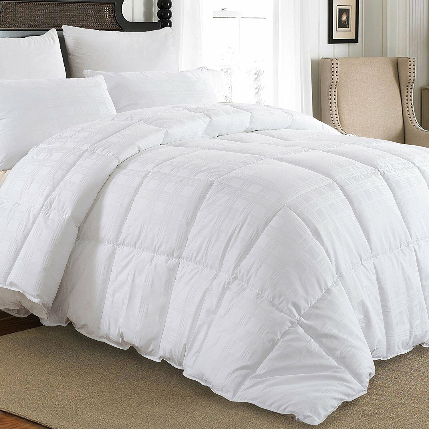 Luxury Midweight Down Comforter Size: King