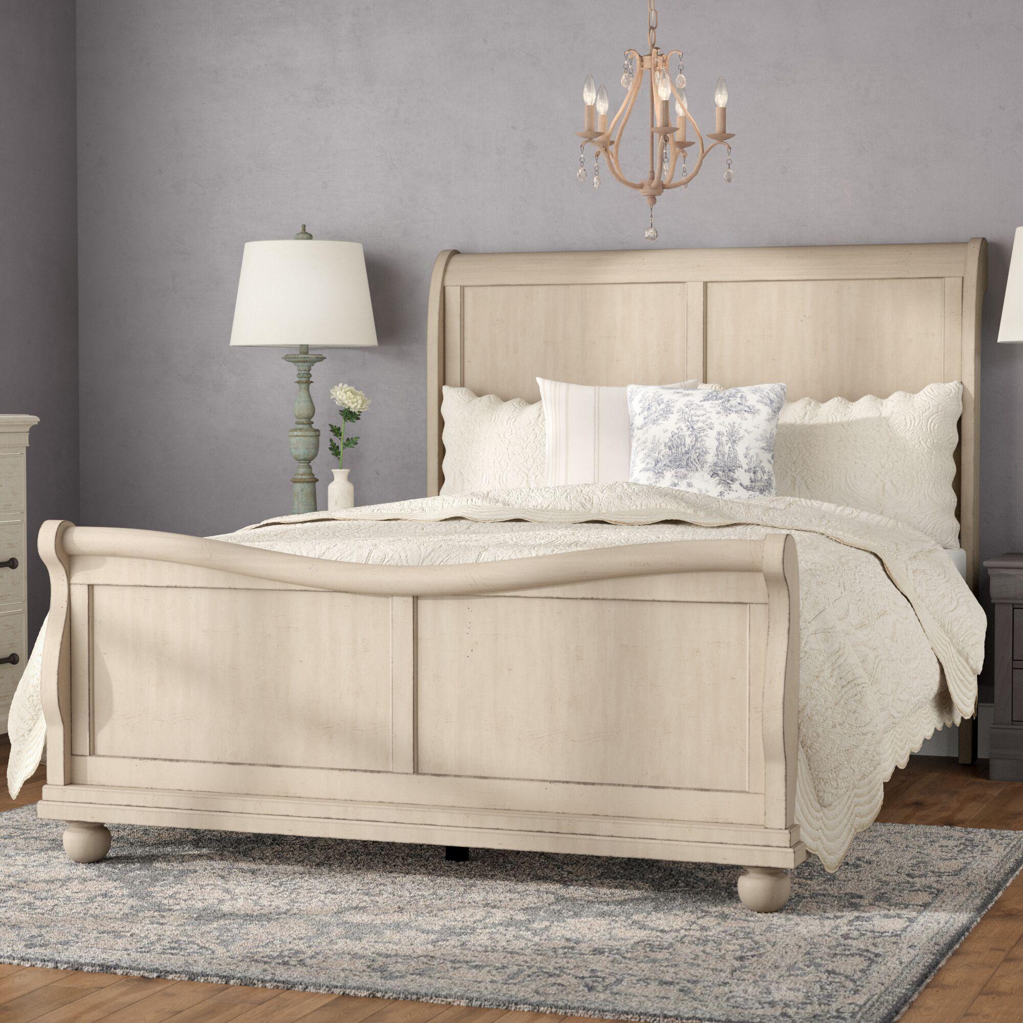 Oreana Sleigh Bed Size: Queen