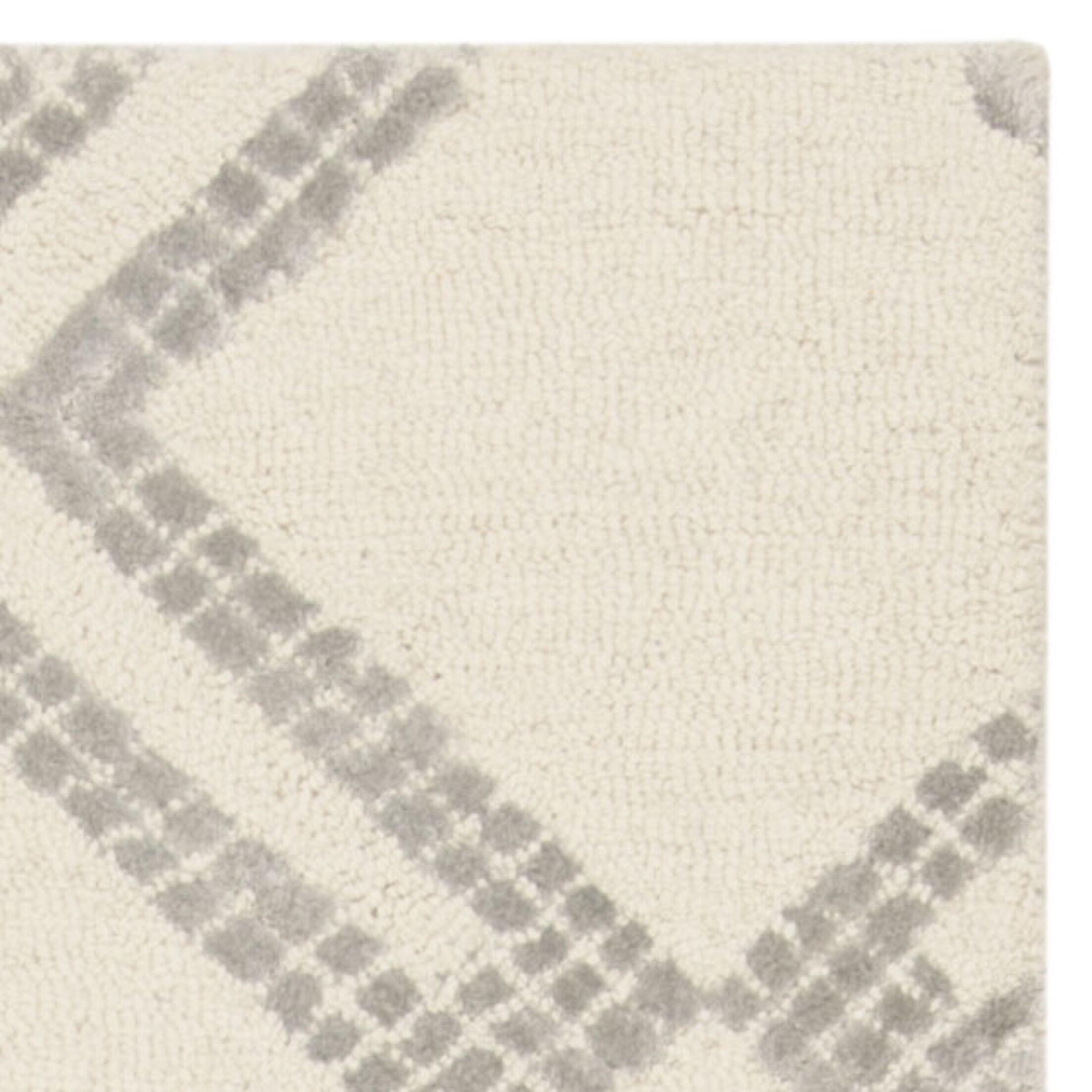 Blokzijl Hand-Tufted Ivory/Silver Area Rug Rug Size: Rectangle 8' x 10'