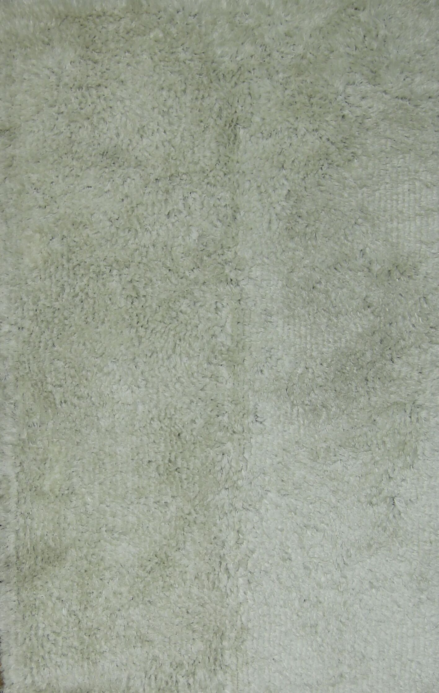 Yazmin Shaggy Oriental Hand-Tufted White Area Rug
