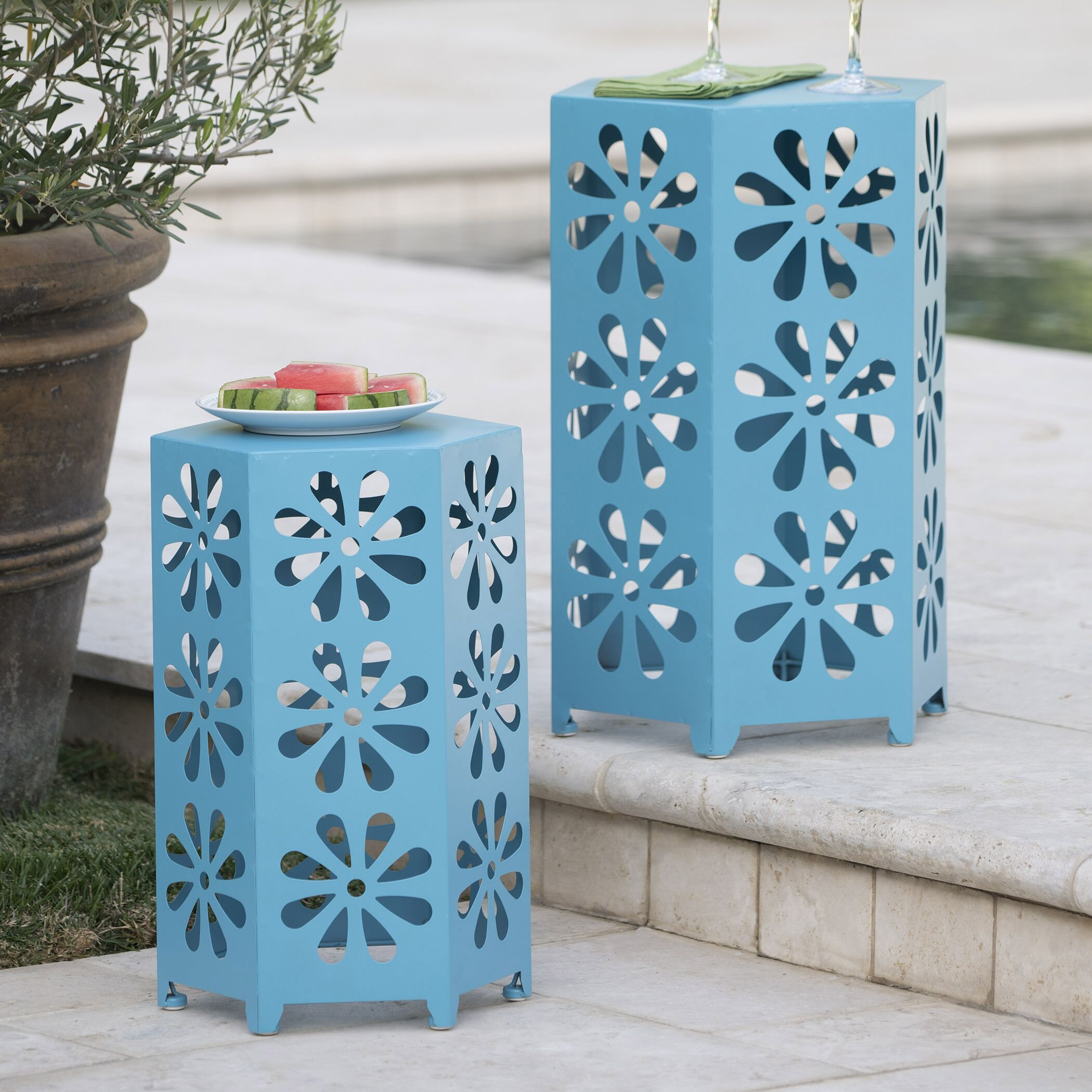 Antwon Side Table Color: Blue