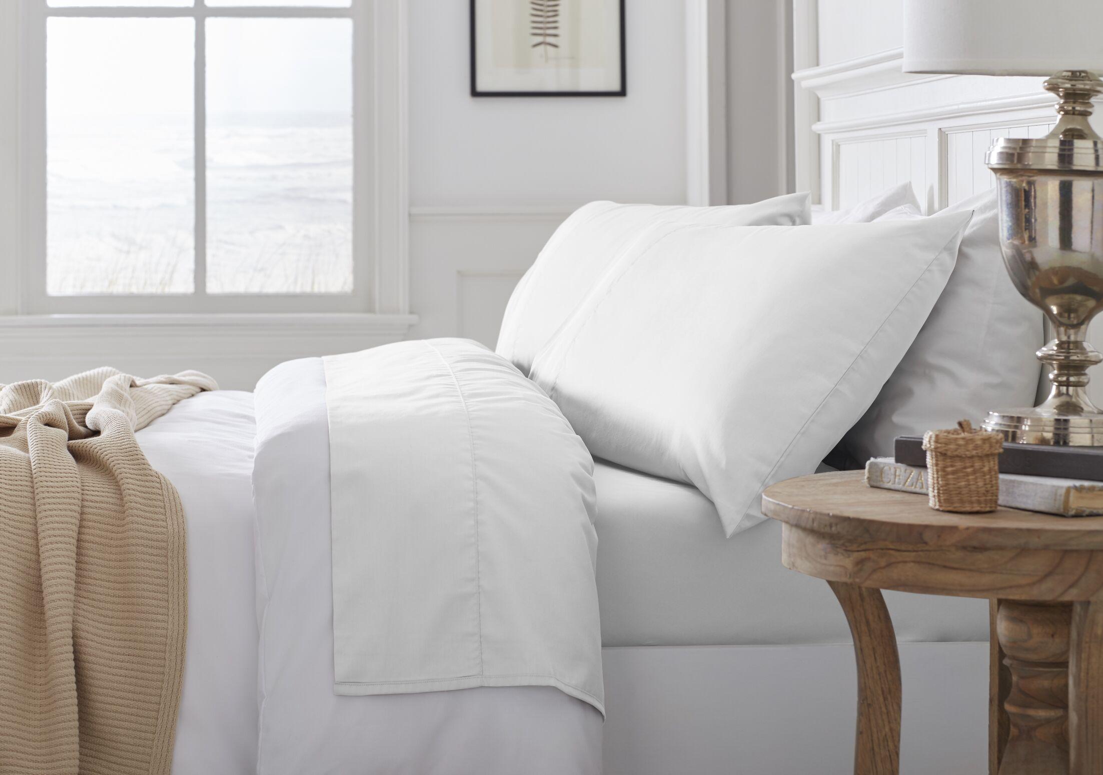 Nava Savannah 300 Thread Count 100% Organic Cotton Sheet Set Size: King, Color: White