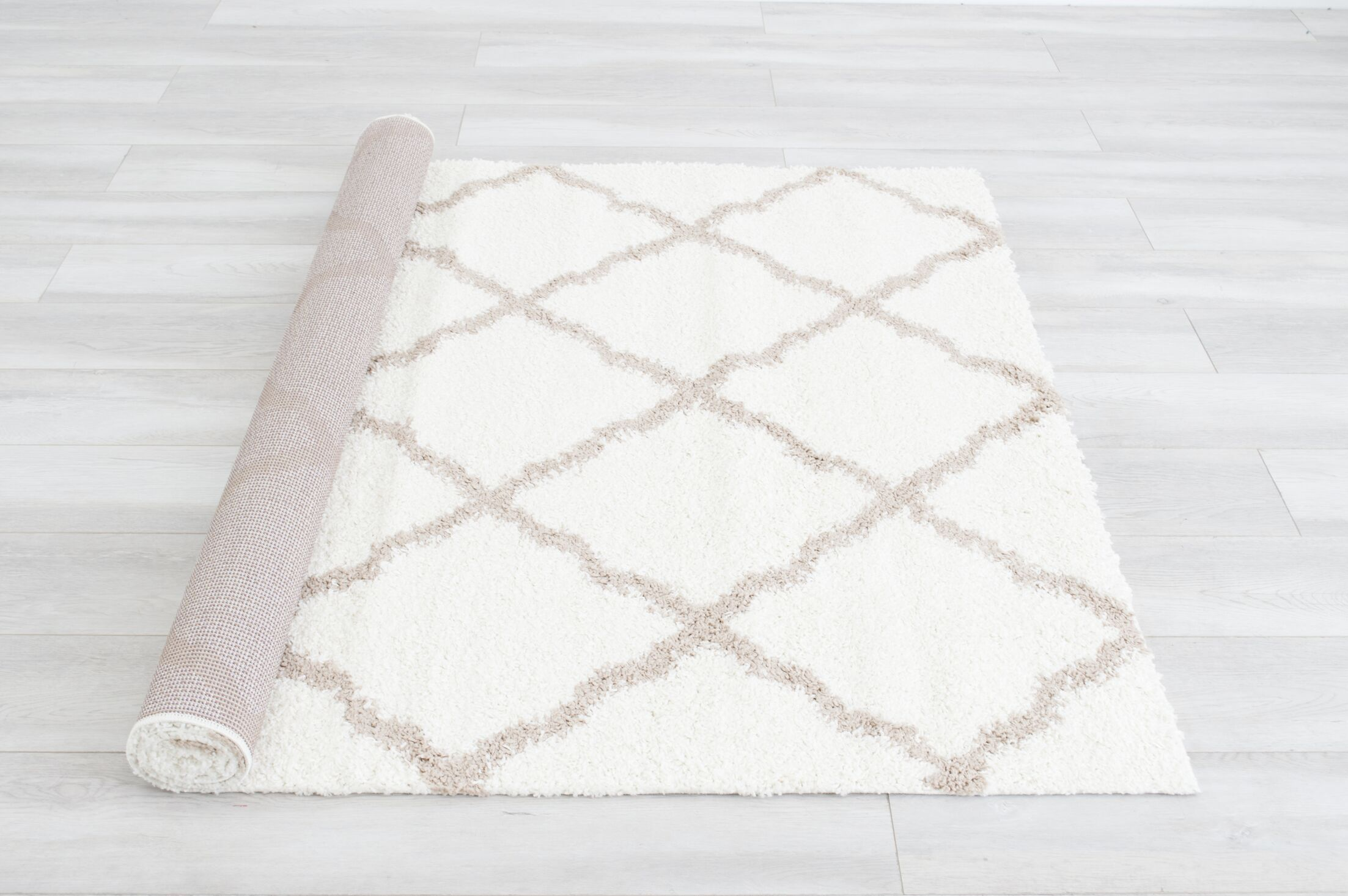 Bellaire Ivory Area Rug Rug Size: Rectangle 8' x 10'