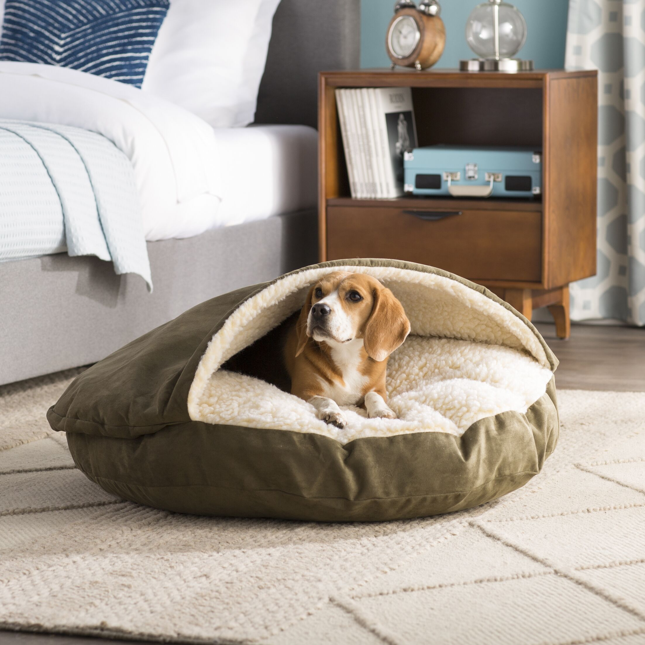 Christal Luxury Hooded Pet Bed Size: Small (25