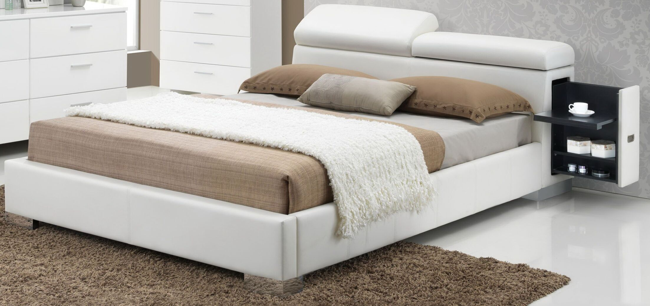 Devine Upholstered Panel Bed Size: Queen, Color: White
