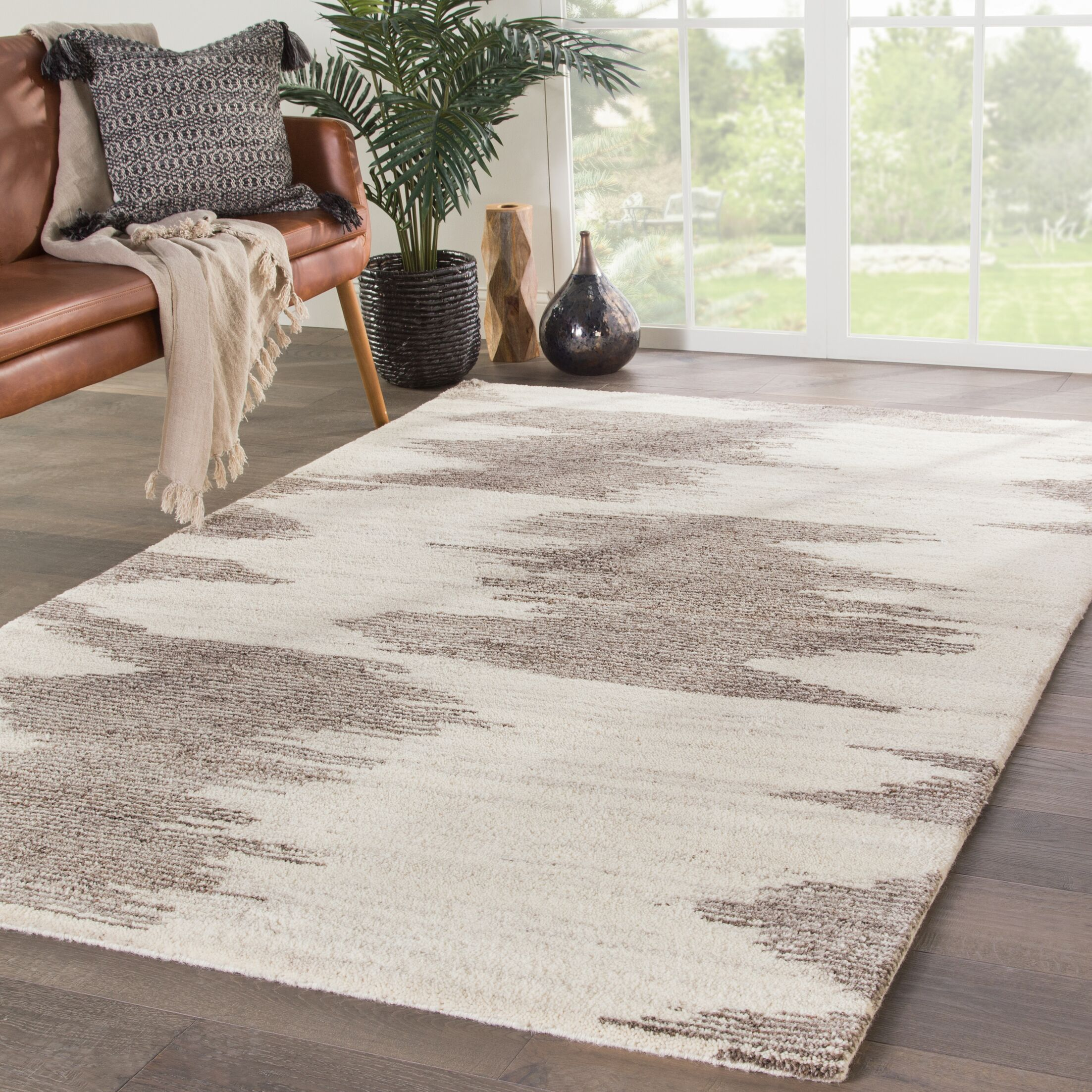 Page Hand-Knotted Wool Ivory/Gray Area Rug Rug Size: Rectangle 5' x 8'