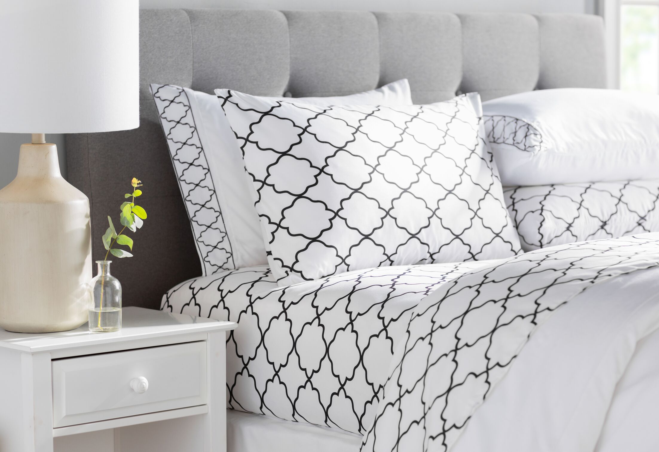 Wayfair Basics Embroidered Trellis 6 Piece Sheet Set Size: Twin, Color: White/Black