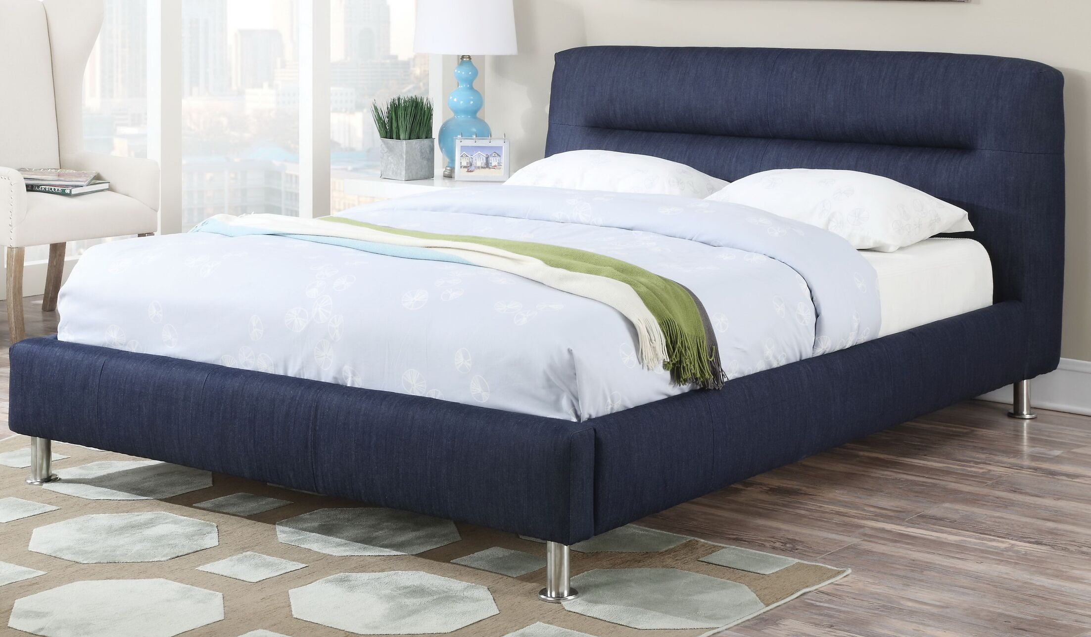 Kuo Upholstered Panel Bed Size: Queen