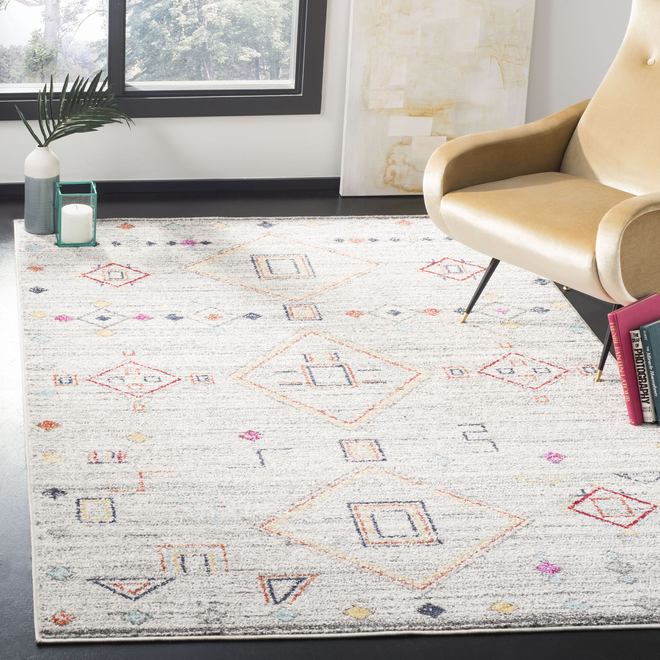 Alisa Light Gray/Red Area Rug Rug Size: Rectangle 6' x 9'