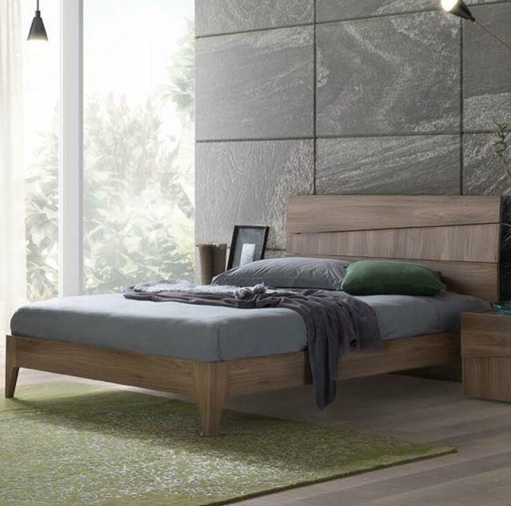 Shaun Panel Bed Size: Queen