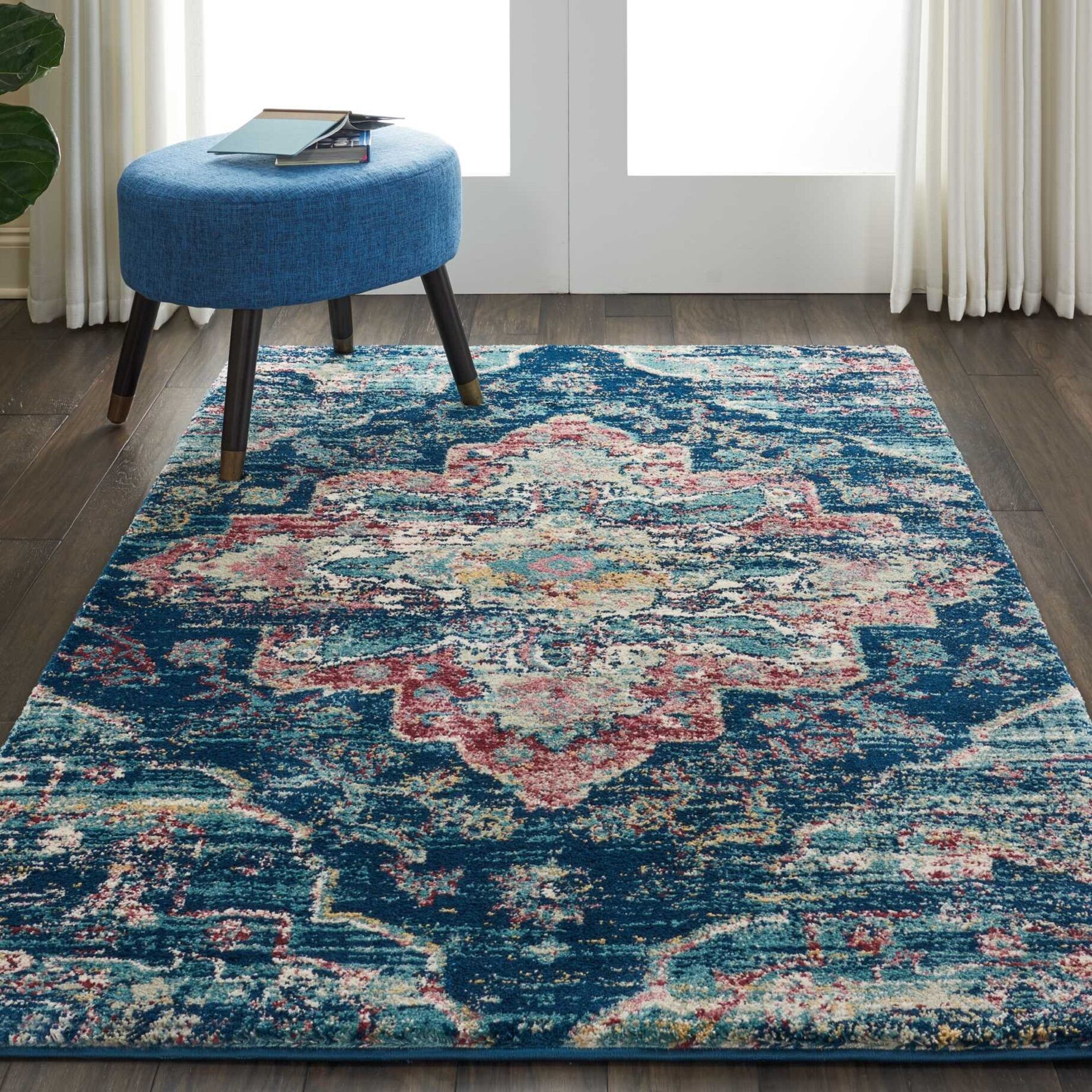 Bellock Oriental Blue/Red Area Rug Rug Size: Rectangle 4' x 6'