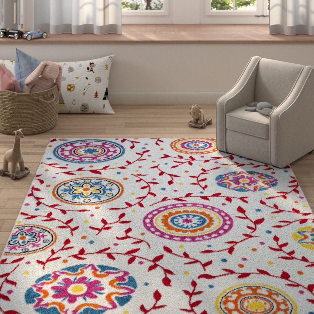 Carlwirtz Cream/Red/Pink Area Rug Rug Size: Rectangle 5' x 7'