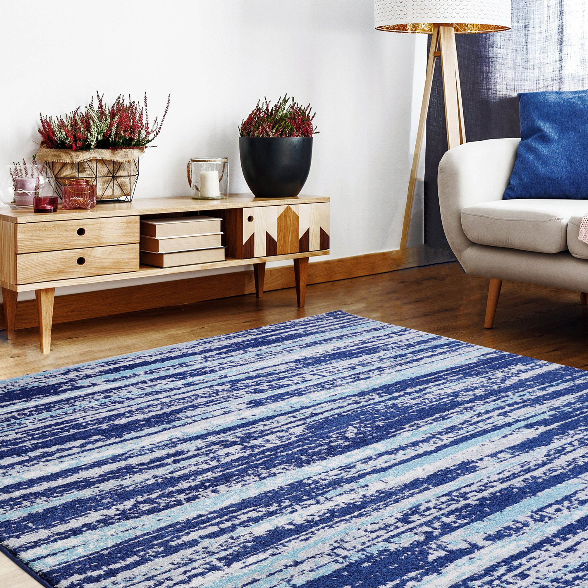 Bravo Blue Area Rug Rug Size: Rectangle 5'3'' x 7'10''