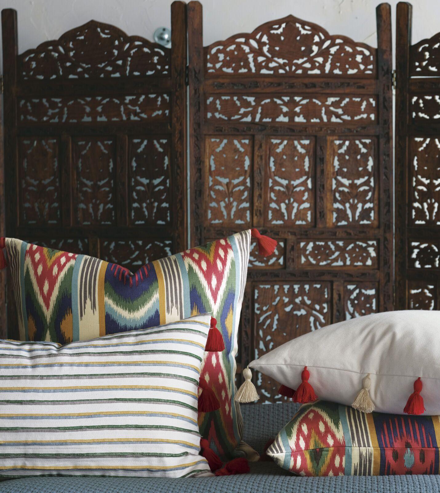 Akela Ethnic Ikat Throw pillow