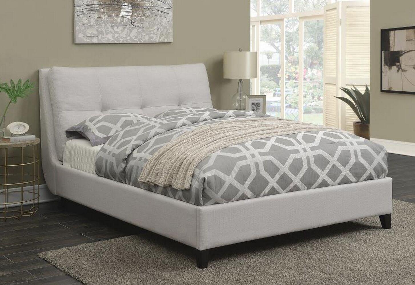 Horrocks Upholstered Platform Bed Size: Queen